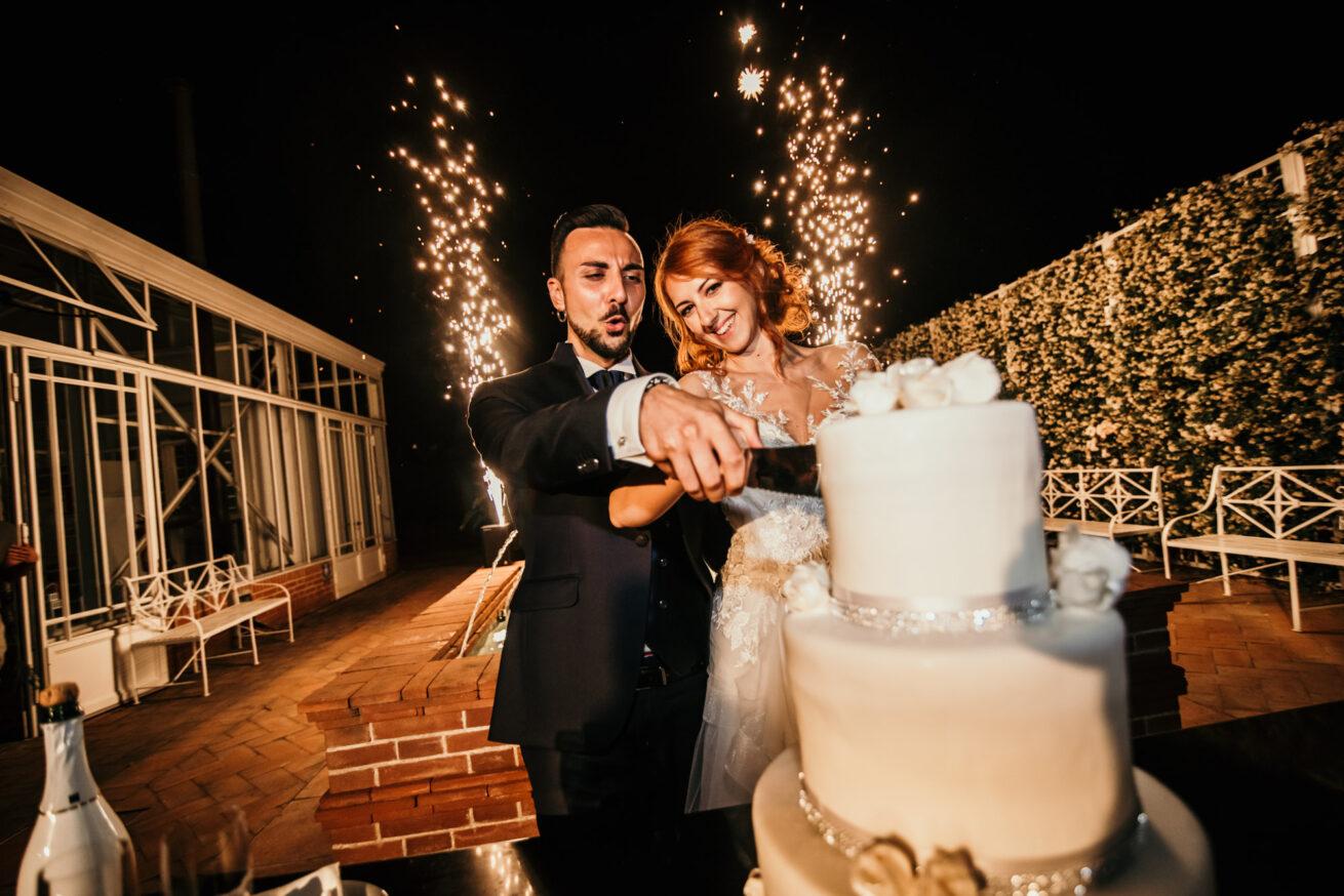 Matrimonio bologna, taglio torta al Vivaio La Bastia