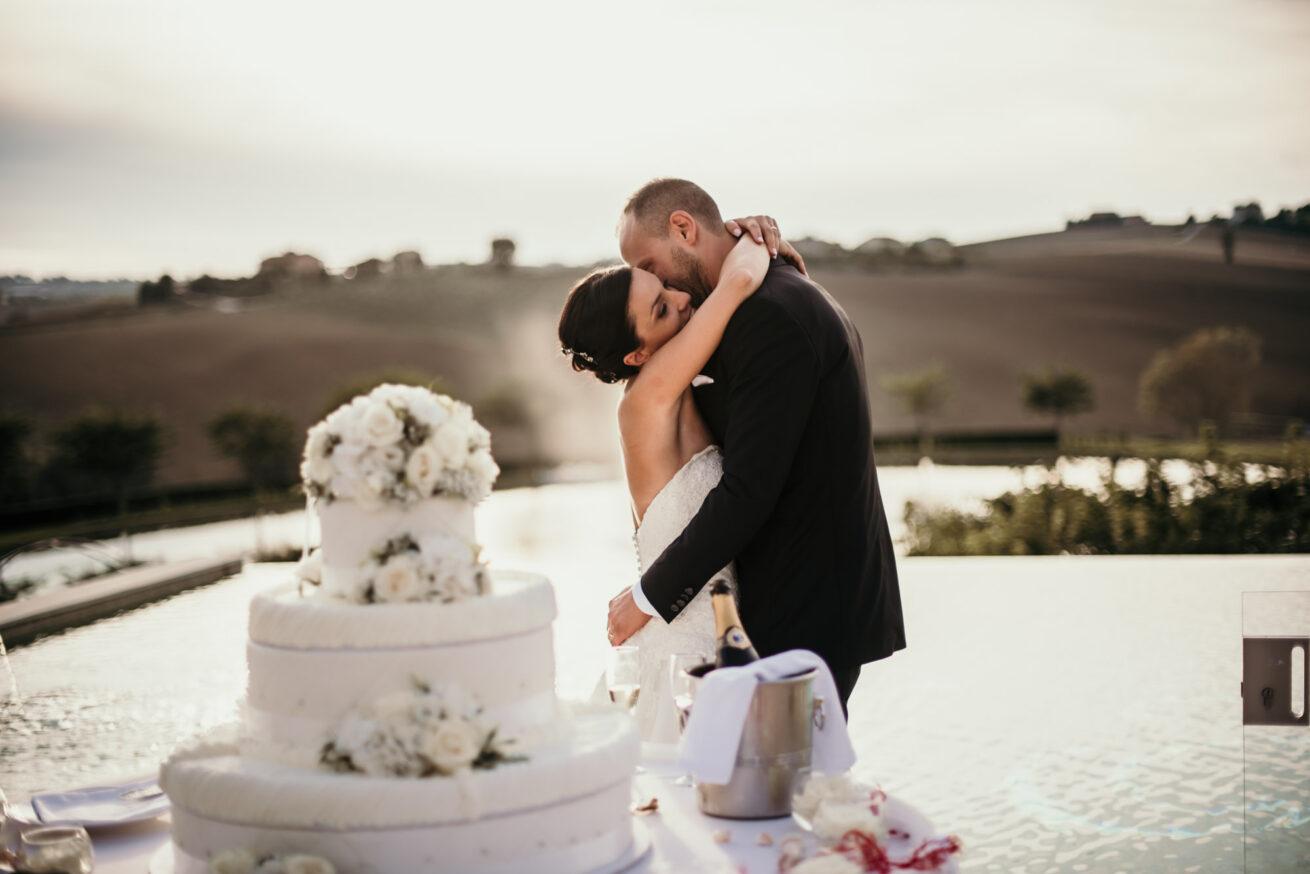 Matrimonio Ancona, taglio torta Villa Honorata
