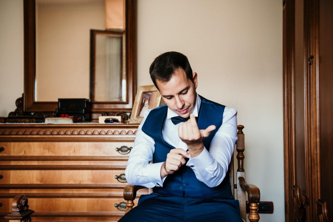 Matrimonio San Marino, preparazione sposo, abito sposo