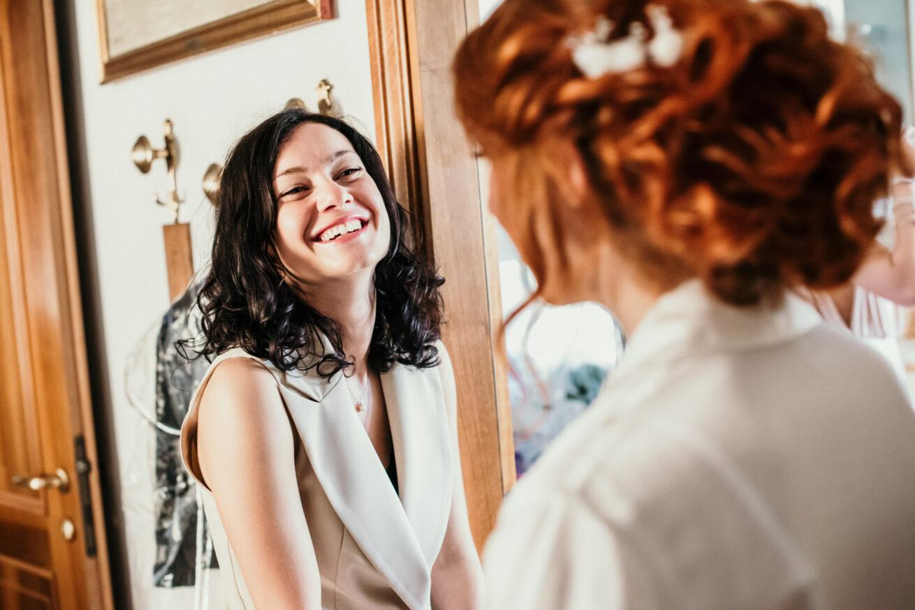 Matrimonio Bologna, preparazione sposa, amica della sposa