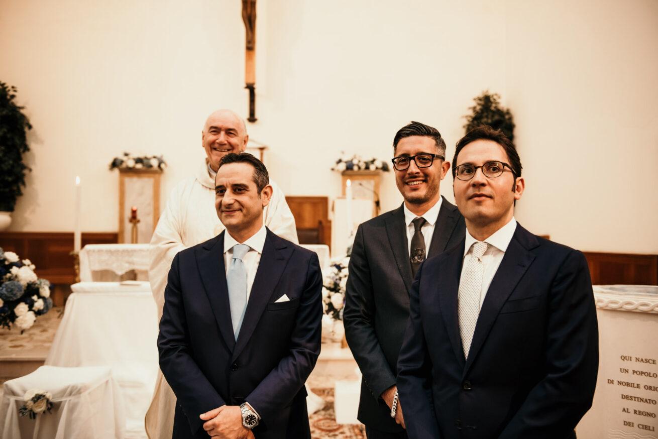Matrimonio a Rimini, attesa dello sposo e dei testimoni Chiesa San Gaudenzio