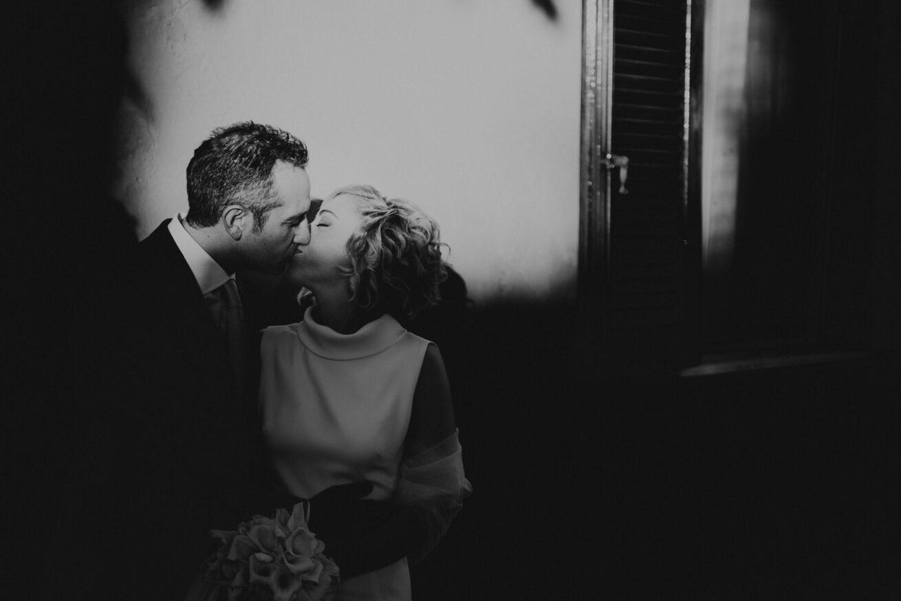 Matrimonio Rimini, foto sposi a Gradara