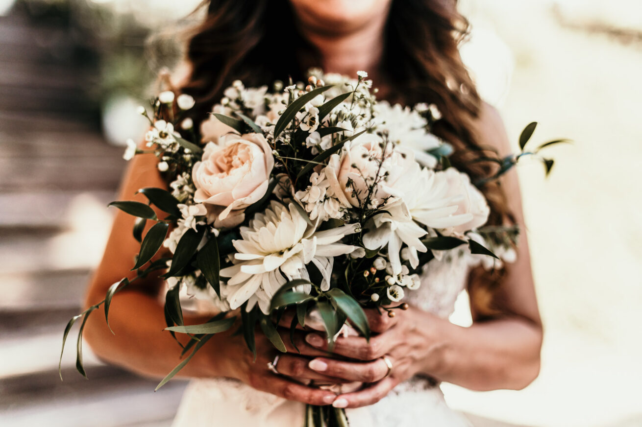 Foto bouquet di matrimonio bianco a Bologna