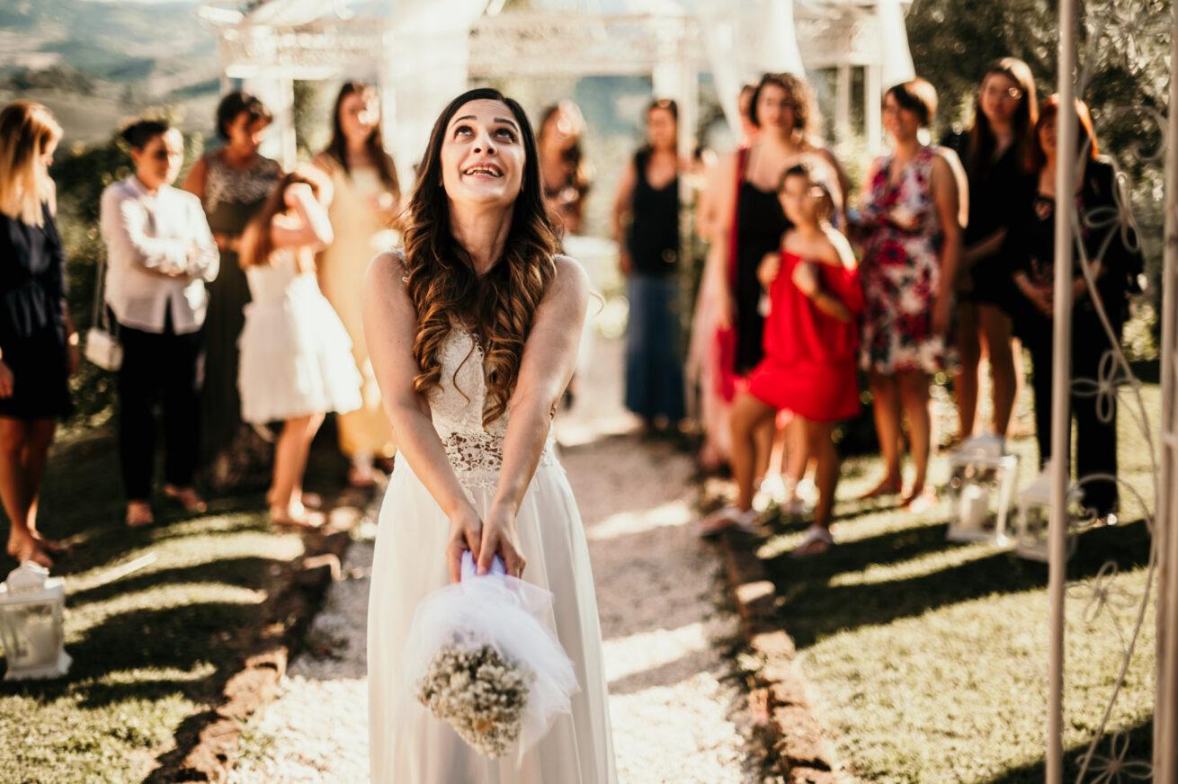 Matrimonio a Bologna, Lancio del Bouquet all'agriturismo Guardastelle a Monte San Pietro